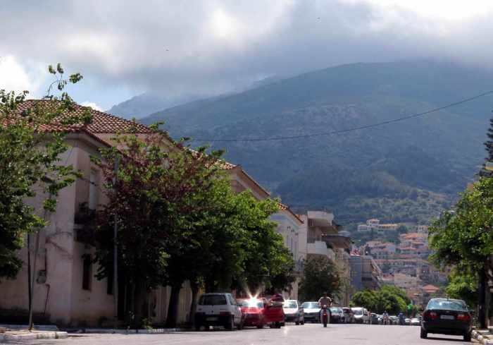 Kyparissia main street