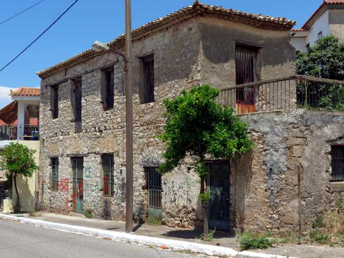 a building in Kyparissia