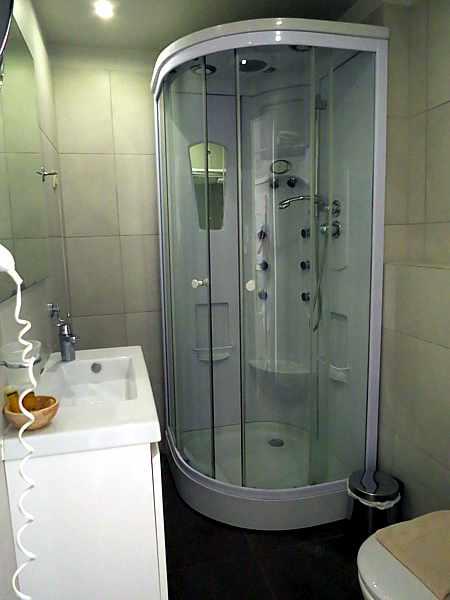 Artina Nuovo Hotel room WC
