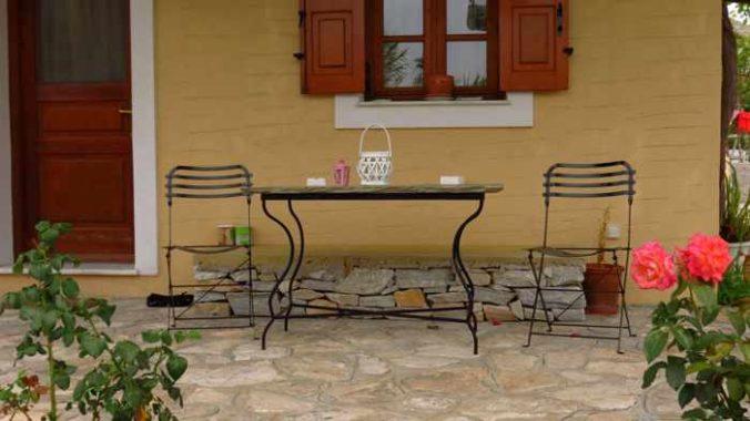 Greece, Greek Islands, Cyclades, Siros,Syros, Syros island, house, building, patio, veranda,