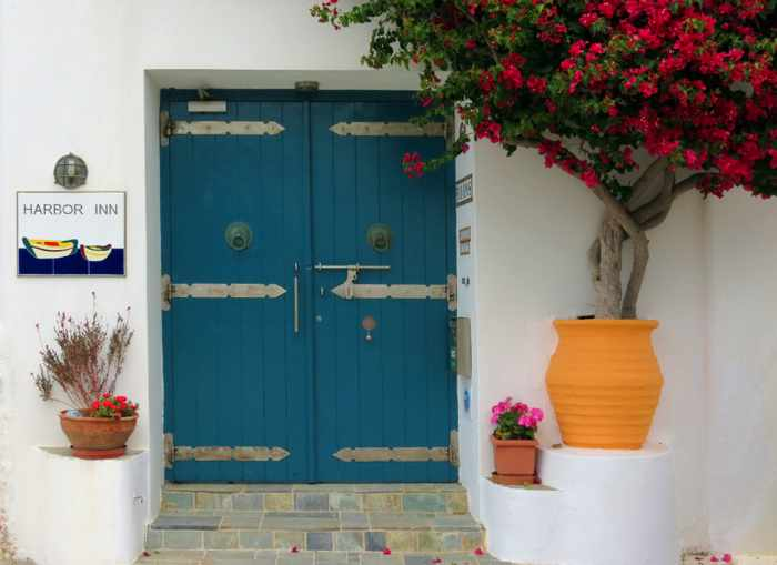 Greece, Greek Islands, Cyclades, Siros, Syros, Syros island, Kini, Kini Bay, Kini Bay Syros, hotel, Harbor Inn, Harbor Inn Syros, door, plants