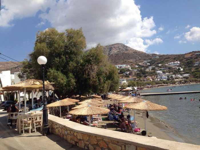 Greece, Greek islands, Cyclades, Siros, Syros, Syros island, Kini Bay, Kini, Kini Bay on Syros, bar, restaurant, cafe, taverna, grillhouse, mezedopoleio, Aeriko, Aeriko mezedopoleio Kini Syros, beach, Kini beach