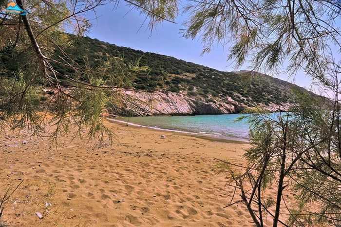 Greece, Greek islands, Cyclades, Siros, Syros, Syros island, Kini, Kini Bay Syros, Syros Adventures, Perla1, boat trips, boat excursions, beach excursions, remote Syros beaches, isolated Syros beaches, secluded Syros beaches, beaches, coves, bays, Aetos, Aetos beach Syros