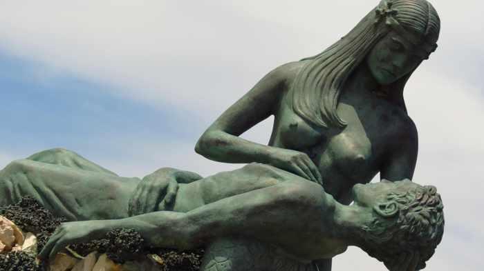 Greece, Greek islands, Siros, Syros, Syros island, Kini, Kini village, Kini Syros, Kini beach, monument, landmark, attraction, fountain, memorial, sculpture, Giorgos Xenoulis, Giorgos Xenoulis sculpture,