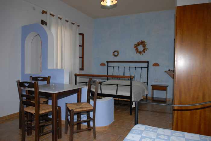Greece, Greek islands, Cyclades, Siros, Syros, Syros island, Kini Bay, Kini, Kini Bay on Syros, accommodations, Ligaries Studios, Ligaries Studios Syros, Ligaries Studios Kini Bay Syros, hotel, studio apartment, accommodations, room interior,
