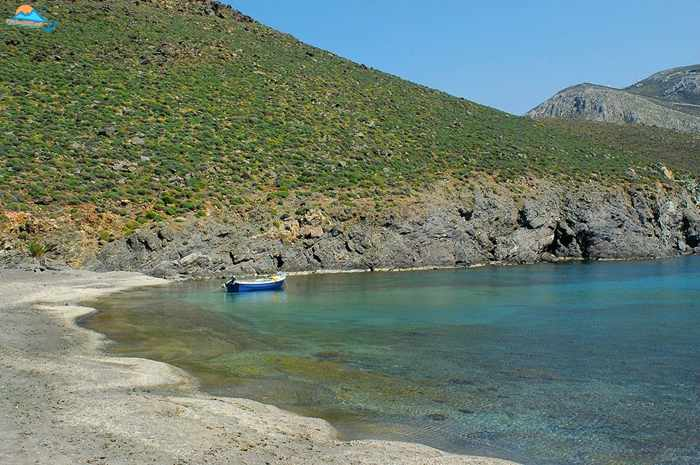 Greece, Greek islands, Cyclades, Siros, Syros, Syros island, Kini, Kini Bay Syros, Syros Adventures, Perla1, boat trips, boat excursions, beach excursions, remote Syros beaches, isolated Syros beaches, secluded Syros beaches, beaches, coves, bays, Megas Lakos, Megas Lakos beach Syros, Megas Lakos beach