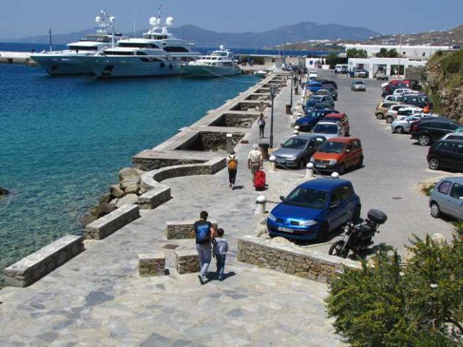 Greece, Greek islands, Cyclades, Mikonos, Mykonos, Mykonos Town, port, Mykonos Old Port, Mykonos Town port, waterfront, harbourfront, seafront, yachts,