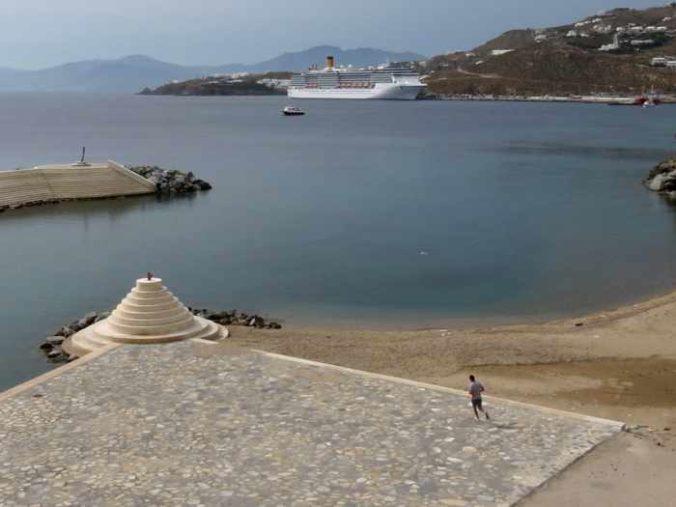 Greece, Greek islands, Cyclades, Mikonos, Mykonos, Mykonos Town, Mykonos seafront, Mykonos waterfront, Mykonos Town marina, Mykonos municipal parking,