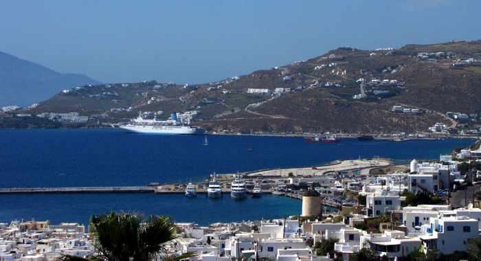 Greece, Greek island, Cyclades, Mikonos, Mykonos, Mykonos Old Port, Mykonos New Port, Mykonos Town port, Tourlos, Tourlos port, ferry travel, ferry port, Mykonos ferry port, yachts, charter yachts, harbour,