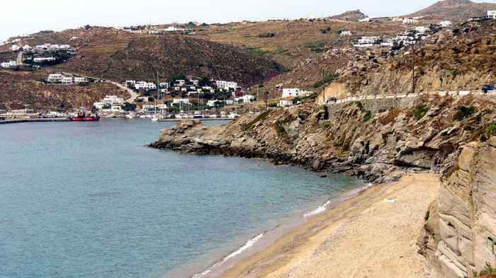 Greece, Greek islands, Cyclades, Mikonos, Mykonos, Tourlos cruise ship, coast, road,