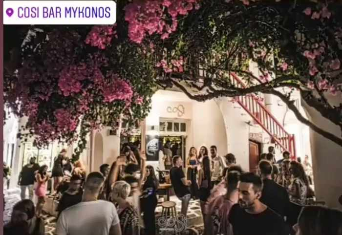 Cosi Bar Mykonos photo from its Instagram page