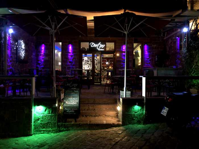 night view of Destino Cafe Bar in Molyvos