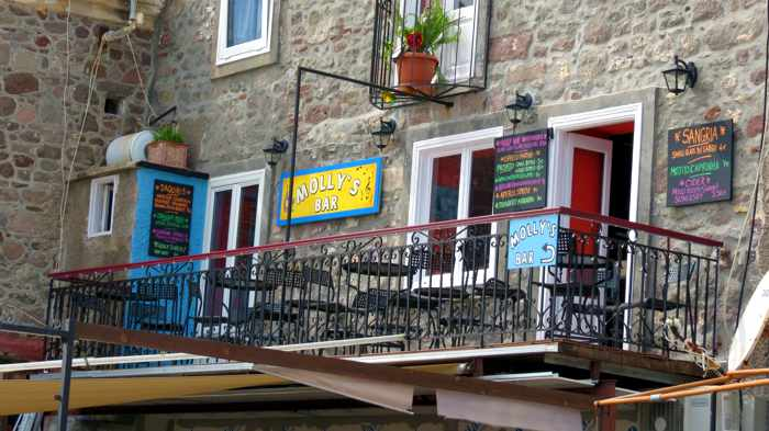 seaview balcony at Mollys Bar in Molyvos on Lesvos island