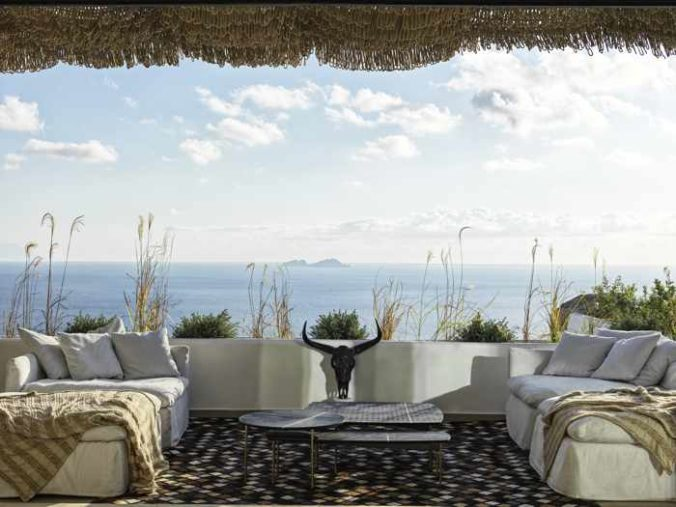 Seaview patio at Panoptis Escape villas on Mykonos