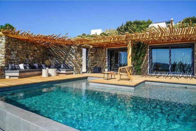 Ikies of Mykonos hotel pool