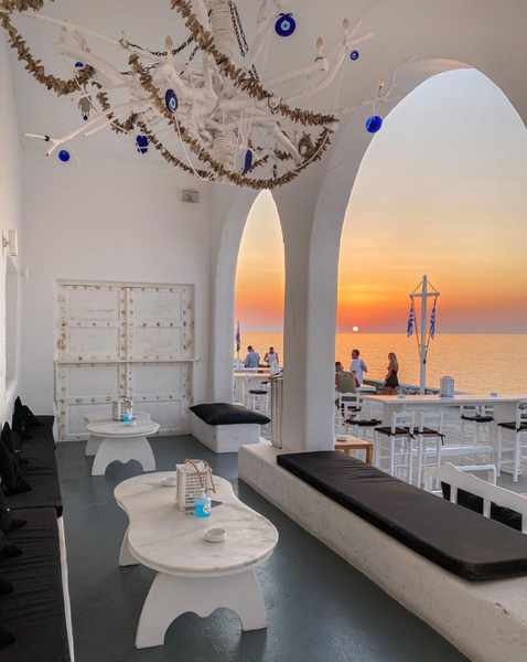 JackieO Bar in Mykonos Town