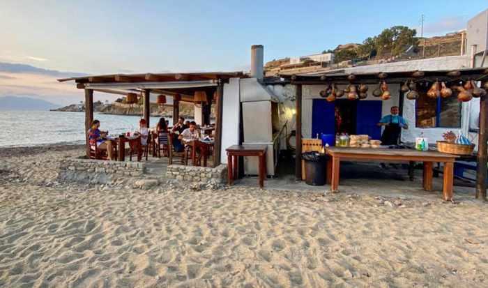 Joannas Nikos Place Taverna on Mykonos