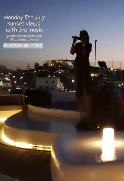 Live music at the Andronikos Hotel SkyBar on Mykonos