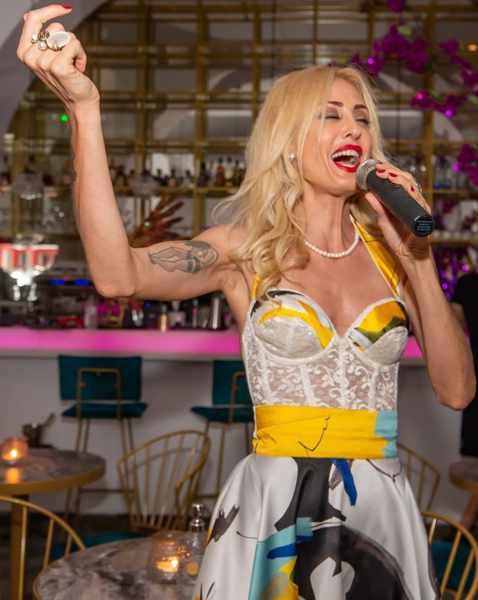 September 30 2021 54 Cocktail Lounge & Skybar presents singer Kelly Kaltsi