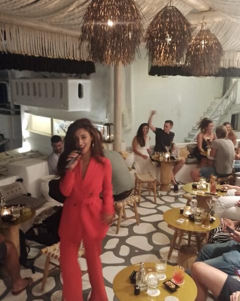 September 4 2021 54 Cocktail Lounge & SkyBar on Mykonos presents singer Sarah Harrar