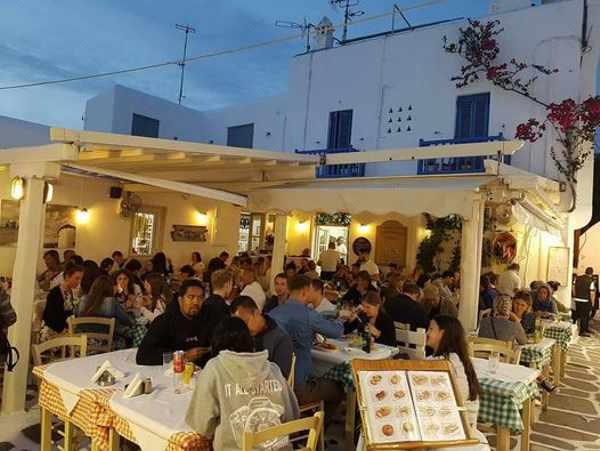 Kostas restaurant in Mykonos