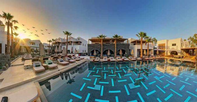 Radisson Blu Zaffron Resort on Santorini swimming pool